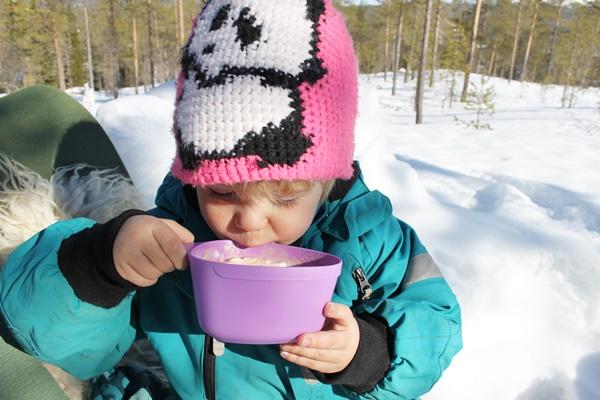 varm choklad, snö, sol, fjällen