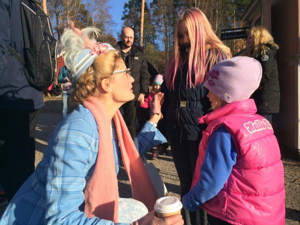 Morfar försökte sälja Maja och Lova helt gratis till Prusseluskan. Tur som var tackade hon nej. Annars hade dom kanske varit på barnhemmet nu.